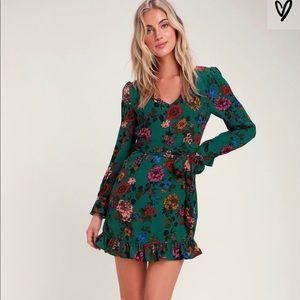 Petal down dark green floral long sleeve dress
